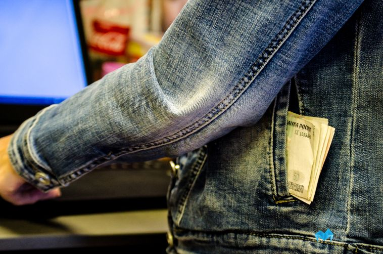 Магнитогорец украл деньги из кассы компьютерного клуба