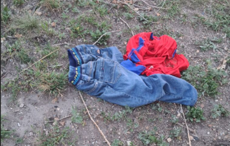 Магнитогорцы на берегу озера нашли детские вещи, а самого ребенка — нет