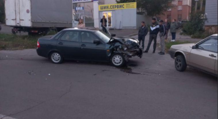 ВМагнитогорске врезультате ДТП перевернулся автомобиль