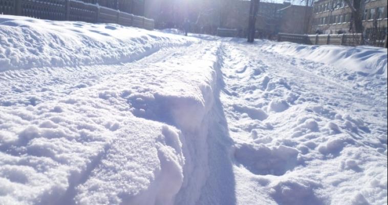 Утренний подарок природы. Магнитогорск избавляется от выпавшего снега