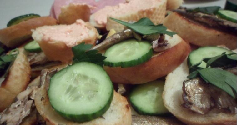 Испорченные рыба, сыр и молоко. Рейтинг опасных продуктов, которые попадают на наш стол
