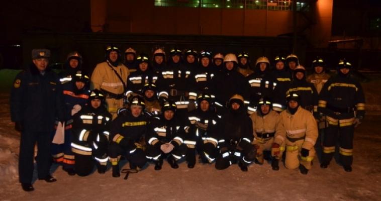И ночь, и возраст не помеха – специалисты пожарной охраны Магнитогорска сдали экзамены
