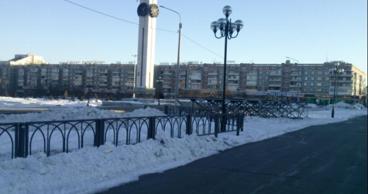 Демонтаж главного ледового городка почти завершен