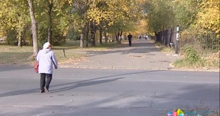 Магнитогорские водители не дают пешеходам перейти дорогу