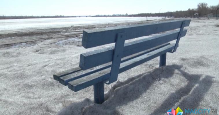 Магнитогорцам запрещают выходить на тонкий лед