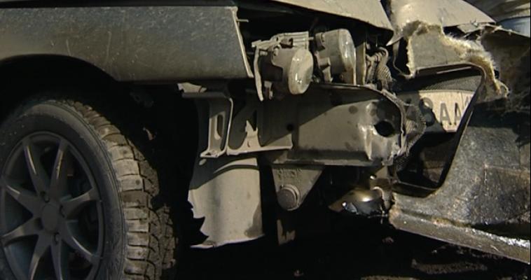 В Магнитогорске пьяный водитель врезался сразу в два автомобиля