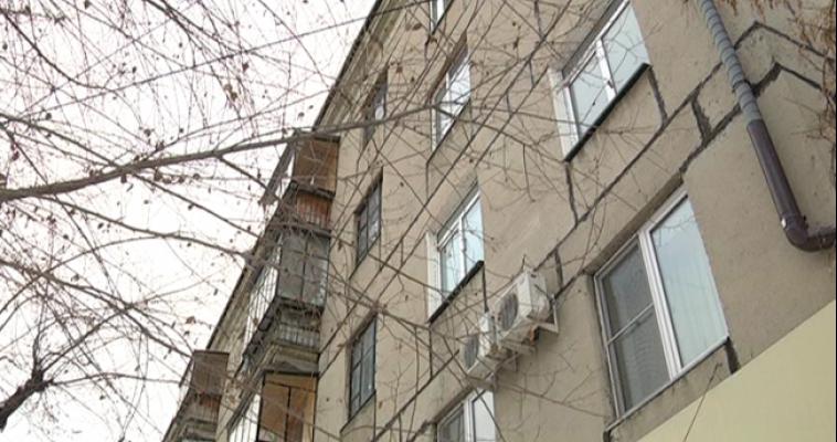 Магнитогорские спасатели помогли мужчине, запертому в своей квартире