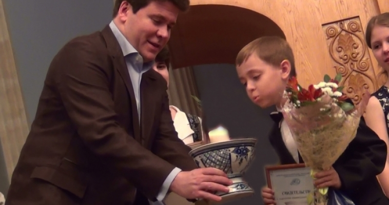 Воспитанник «Камертона» получил награду из рук Дениса Мацуева