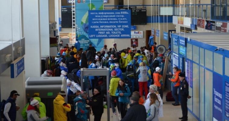 Представители МЧС проводили сурдлимпийцев в Ханты-Мансийск