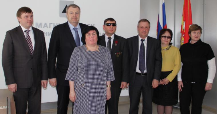 Виталий Бахметьев пообещал найти заказчиков для предприятия, где работают инвалиды по зрению