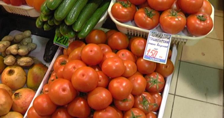 В России подешевели помидоры и огурцы