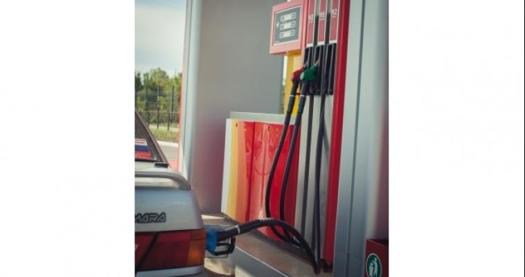 Бензин продолжает дорожать
