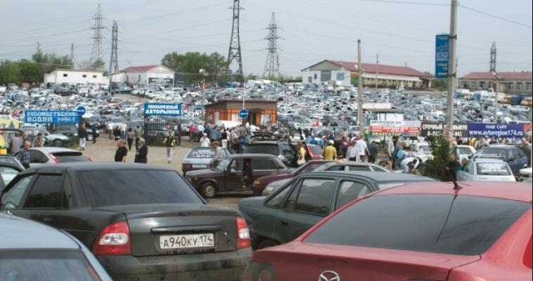 Средняя цена 7-летнего автомобиля в июле – 590 тысяч рублей
