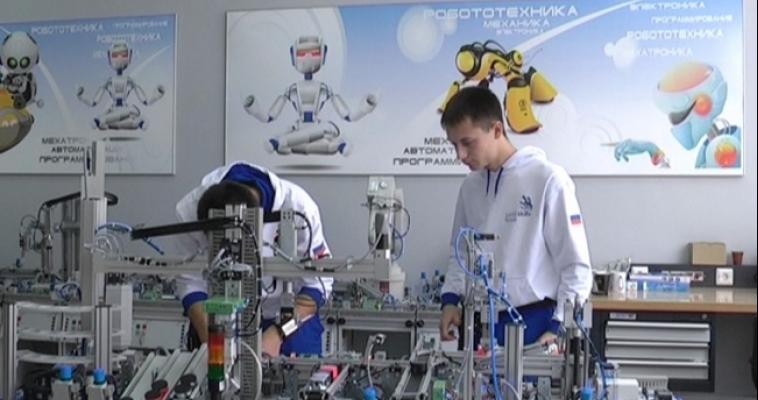 Магнитогорцы привезли медаль с Чемпионата Мира по рабочим профессиям