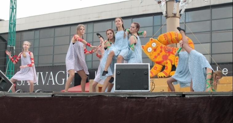 Пять часов яркого праздника. В Магнитке прошел «Карнавал у Пушкина».