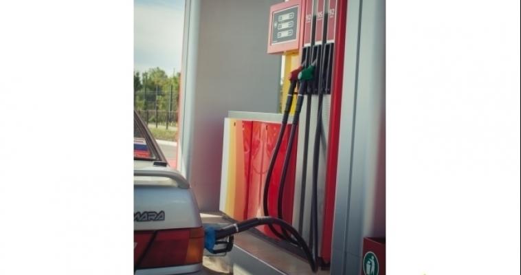 УФАС: цены на бензин стабильны