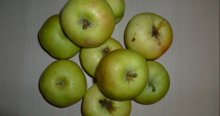 В сетевых магазинах мясо и яблоки выросли в цене