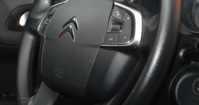 На чём экономят автовладельцы в кризис?