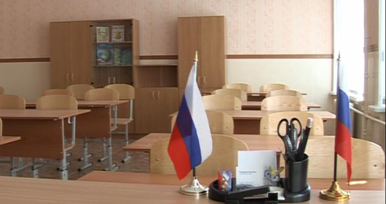 «Не нужны дворцы». Медведев поручил построить в регионе новые школы