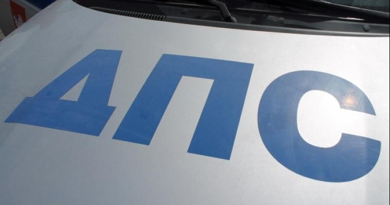 «Тойота» при перестроении врезалась в ВАЗ – пострадала женщина