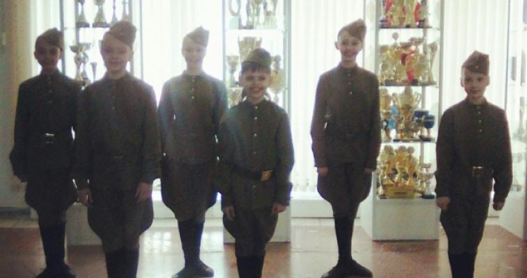 «Фронтовики , наденьте ордена!». В Правобережном районе поздравили ветеранов
