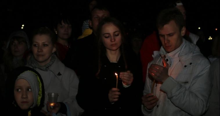 Магнитогорск зажёг свечи Победы после бала