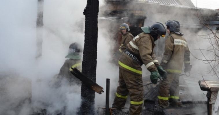 Автомобиль, баня и здание: сразу три пожара произошли накануне