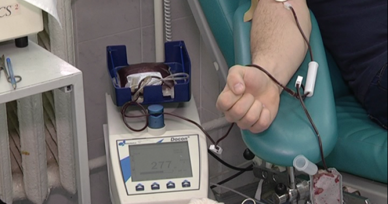 Девять тысяч литров крови сдали южноуральцы с начала года