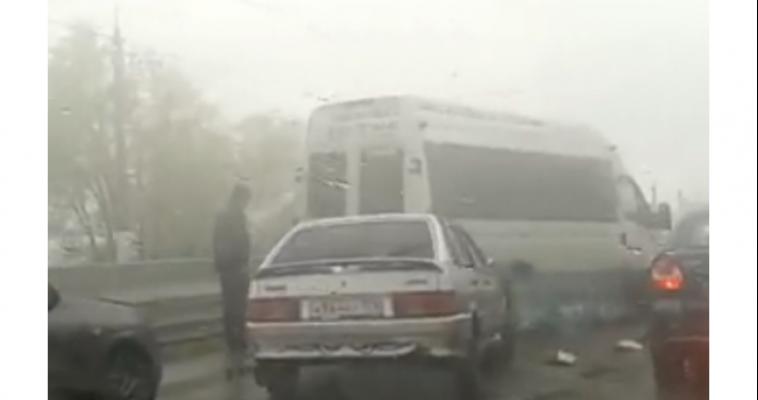 Массовое ДТП остановило движение трамваев