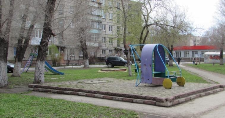 Аварийные детские площадки будут демонтированы в этом году