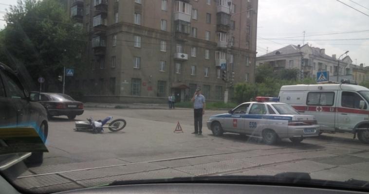 Встретились на перекрестке. В Магнитке произошло очередное ДТП с мотоциклом