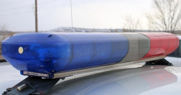Пьяный водитель не справился с управлением, выехал на газон и сбил сварщика
