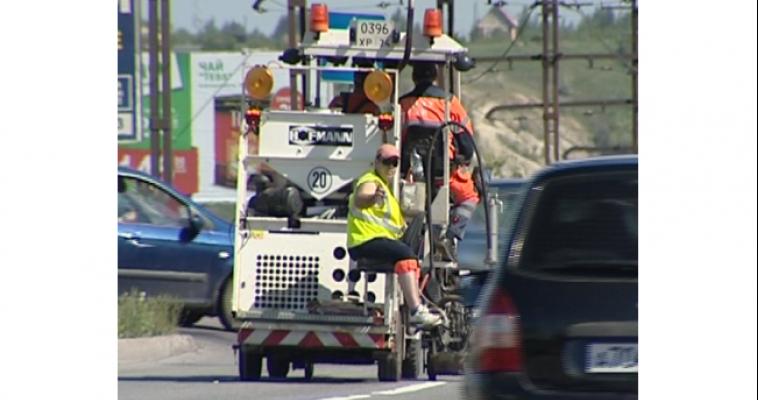 Предприниматели города сплошную разметку на дорогах самовольно перекрашивают для своего удобства