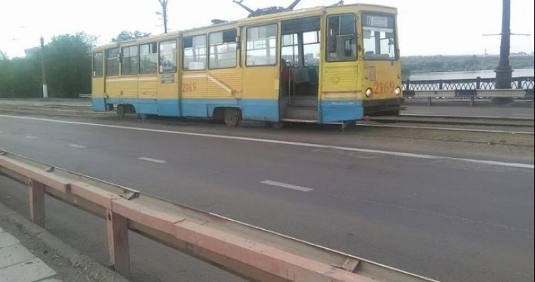 Медведев в городе: даже у трамвая сдали нервы…