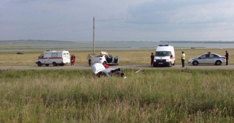 Пострадавшие лежали прямо на дороге. Недалеко от озера Соленое произошло страшное ДТП