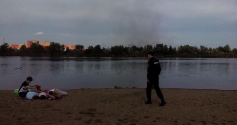 Полицейские продолжают работу по патрулированию пляжей