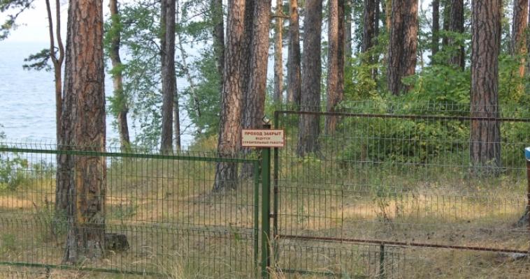 Возле памятника природы безжалостно уничтожаются леса и ведется застройка элитными коттеджами