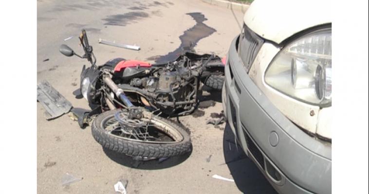 Мотоциклист перелетел через автомобиль. На проспекте Ленина произошло серьезное ДТП