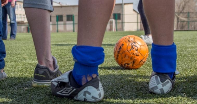 Две недели борьбы за кубок. В Магнитогорске стартовал чемпионат по футболу среди дворовых команд