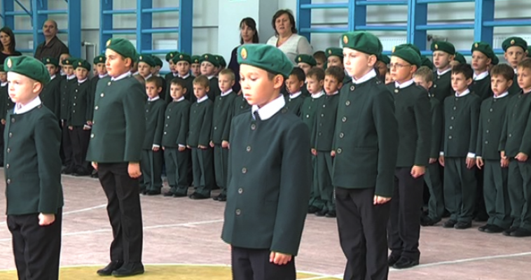 В полку кадетов прибыло. Торжественная церемония посвящения прошла сегодня в 39-ой школе