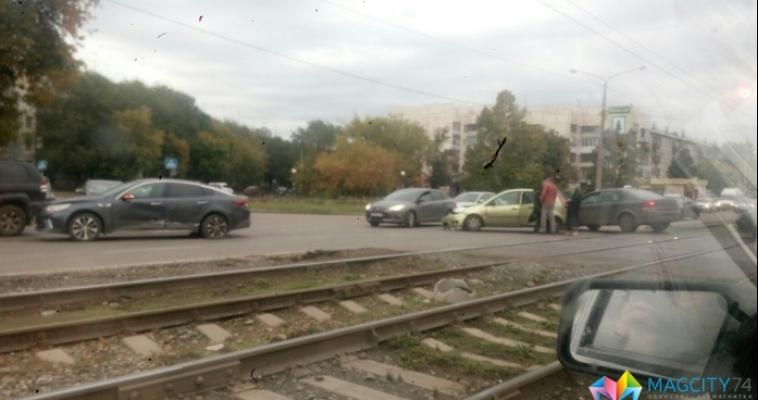 На пересечении Доменщиков и Советской произошла авария
