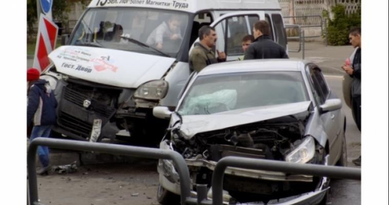 В ДТП на улице Суворова пострадали двое, в том числе двухлетний ребёнок