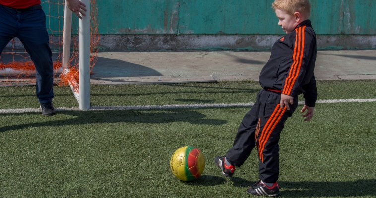 На базе дачи «Горный ручеек» проводят единственный в стране турнир для дошколят. Теперь соревнования приобрели статус официальных
