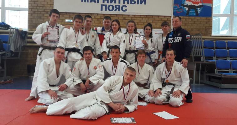 Магнитогорские дзюдоисты привезли пять медалей с первенства УрФО