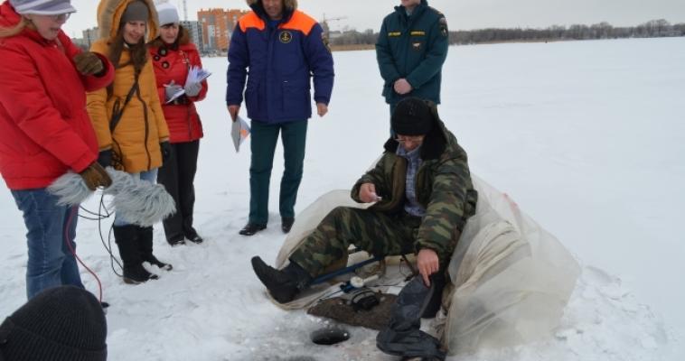 Ловись рыбка, большая и маленькая. Корреспондент Magcity74.ru вышел в рейд на магнитогорский пруд