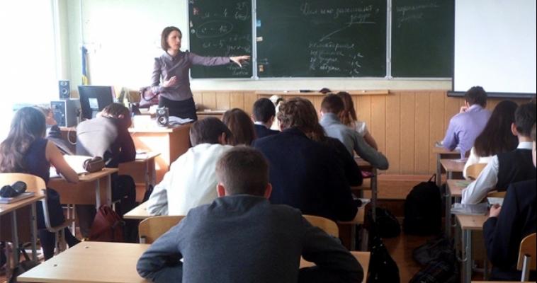 Логика в лирике. Корреспондент Mgcity74.ru побывала на уроках лучшего учителя региона