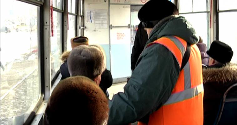 Почему магнитогорцы замерзают на остановках, в ожидании трамвая?