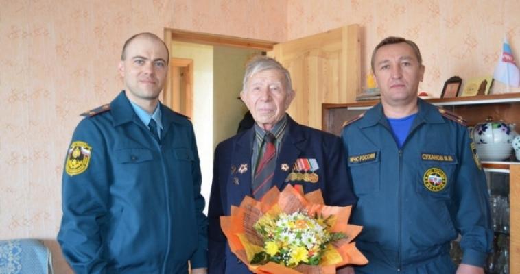 Юбиляр, ветеран, пожарный: история о войне из первых уст
