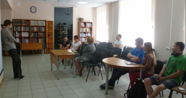 Do you speak English? Корреспондент сайта magcity74.ru посетил магнитогорский клуб разговорного английского