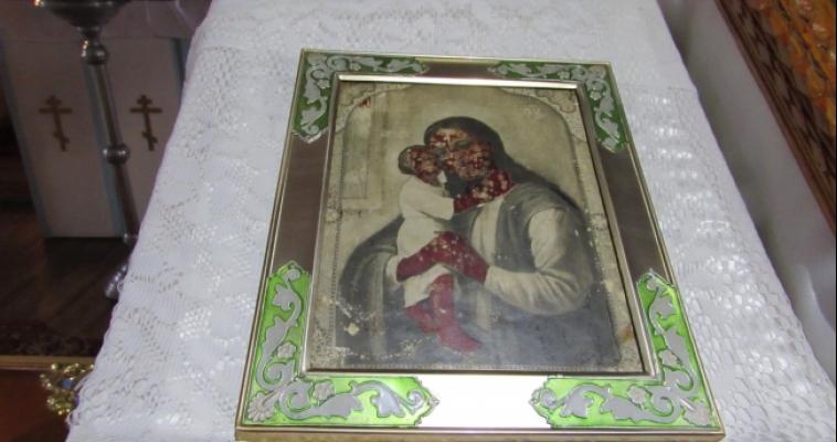 Икона Божией Матери «Взыскание погибших» обагрилась пятнами кровавого цвета